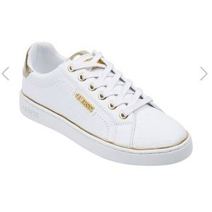 NWT GUESS Low-Top Sneakers - Size 8.5